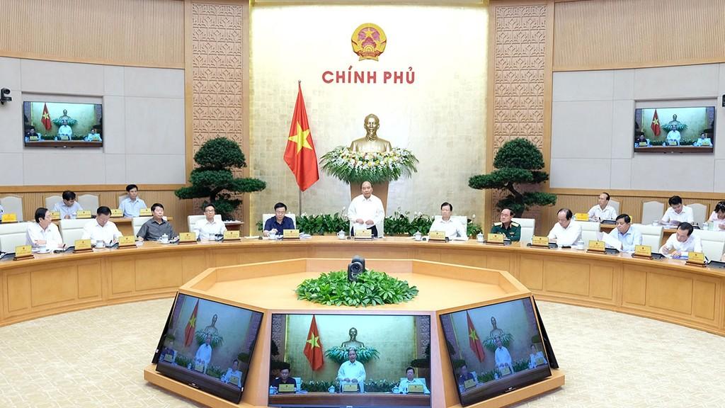 Thủ tướng Nguyễn Xuân Phúc chủ trì Phiên họp Chính phủ chuyên đề xây dựng thể chế. Ảnh: Hiếu Nguyễn