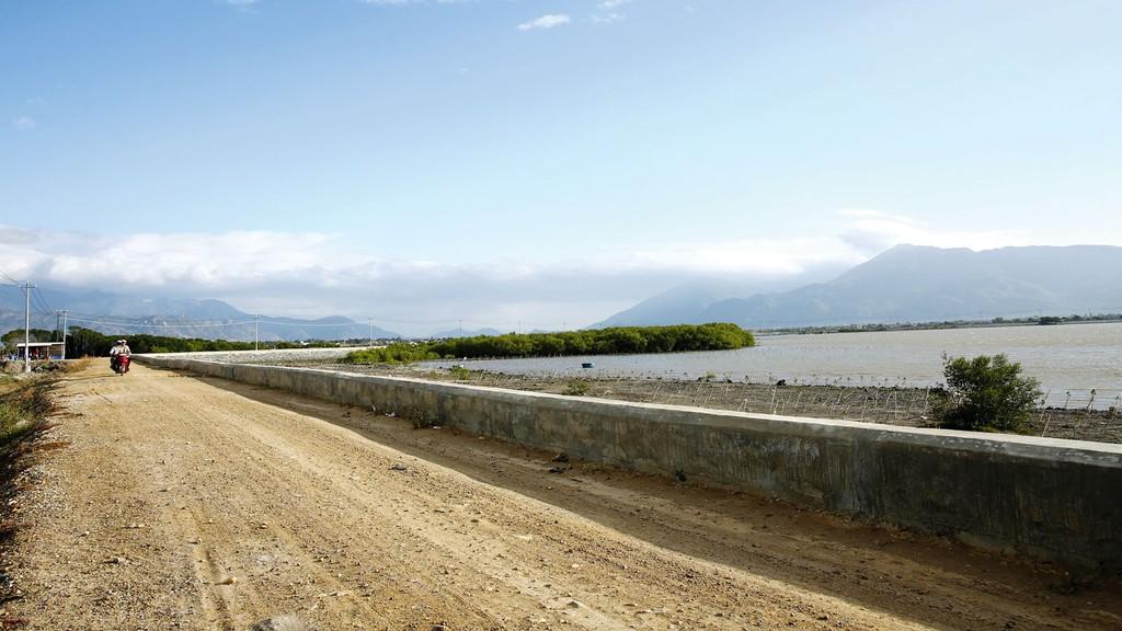 Dự án Đầu tư khu phức hợp lấn biển Phú Hài chưa hoàn chỉnh thủ tục môi trường và hồ sơ xin cấp phép xây dựng. Ảnh: Bùi Đức Thâu