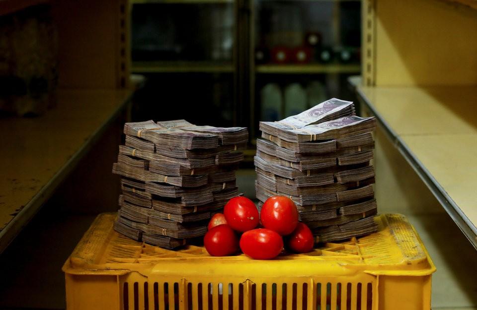 """Những bức ảnh cho thấy mức độ """"siêu lạm phát"""" tại Venezuela - ảnh 1"""