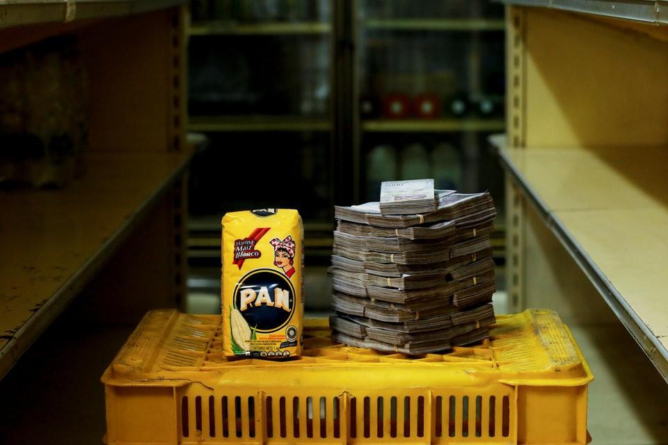 """Những bức ảnh cho thấy mức độ """"siêu lạm phát"""" tại Venezuela - ảnh 7"""