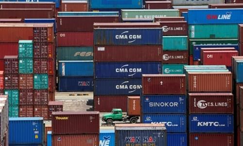 Container tại một cảng biển tại Thượng Hải (Trung Quốc). Ảnh:Reuters