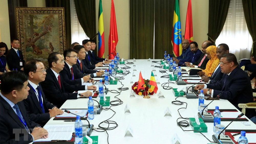 Chủ tịch nước Trần Đại Quang hội đàm với Tổng thống Ethiopia Mulatu Teshome. Ảnh: Nhan Sáng