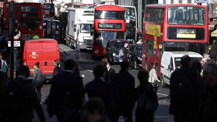 Nắng nóng bất thường khiến khí ozone (O3) trong không khí tại London tăng mạnh khiến loạt cảnh báo về ô nhiễm được đưa ra - Ảnh: Getty Images.