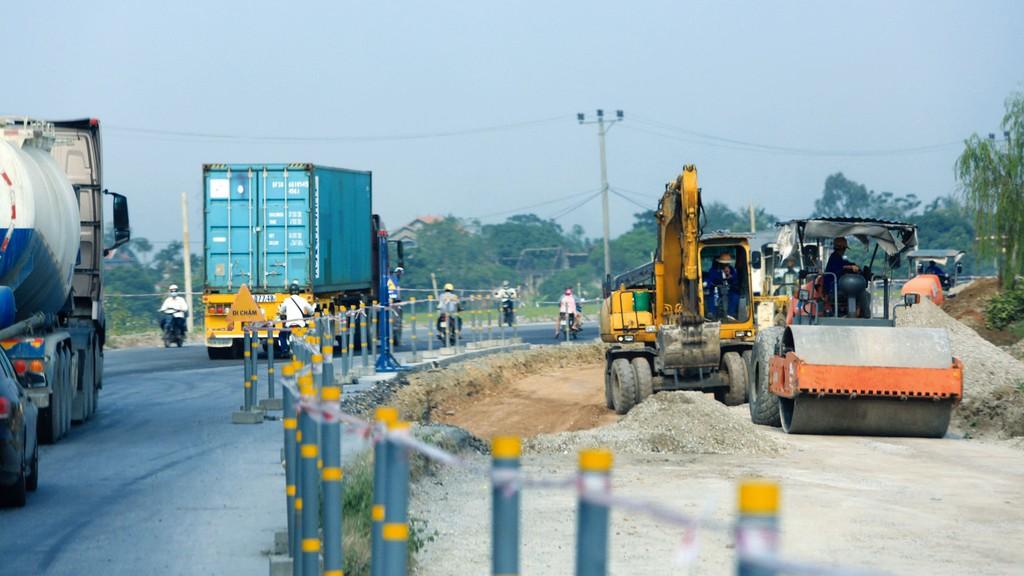 Việc sửa đổi Luật Giao thông đường bộ 2008 cần quy định rõ trách nhiệm của các bên trong bảo trì công trình đường bộ đầu tư theo hợp đồng BOT. Ảnh: Nhã Chi