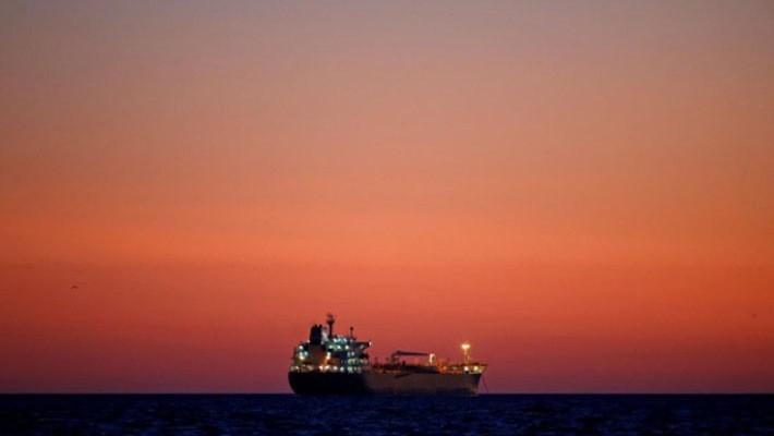 Một tàu chở dầu ngoài khơi thành phố cảng Marseille của Pháp, tháng 11/2017 - Ảnh: Reuters.