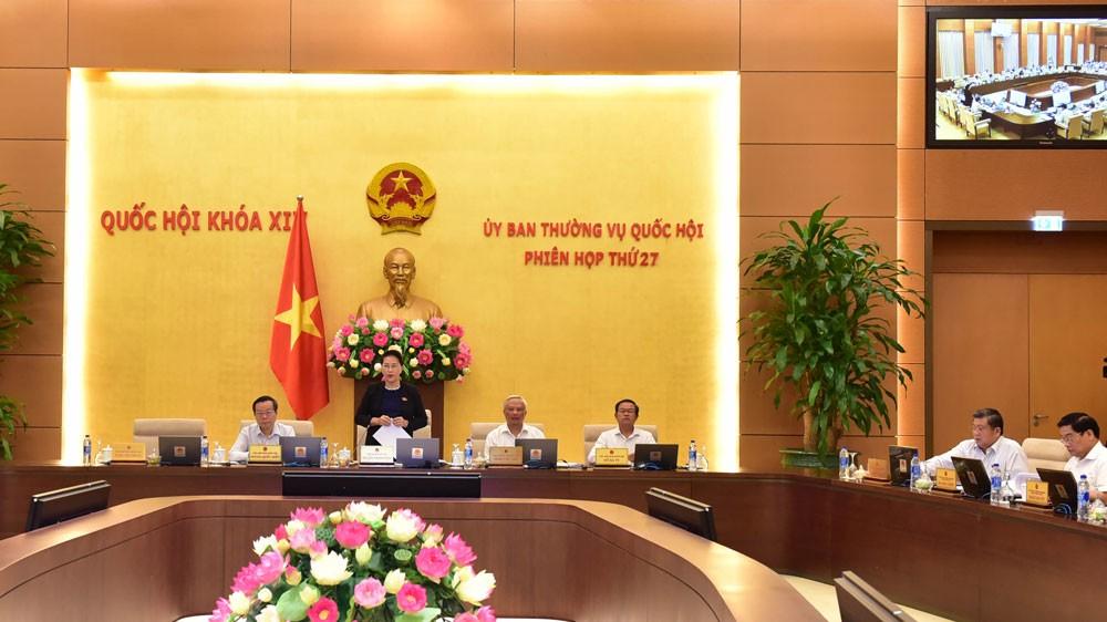 Chủ tịch Quốc hội Nguyễn Thị Kim Ngân chủ trì và phát biểu khai mạc Phiên họp thứ 27 của Ủy ban Thường vụ Quốc hội. Ảnh: Quang Khánh