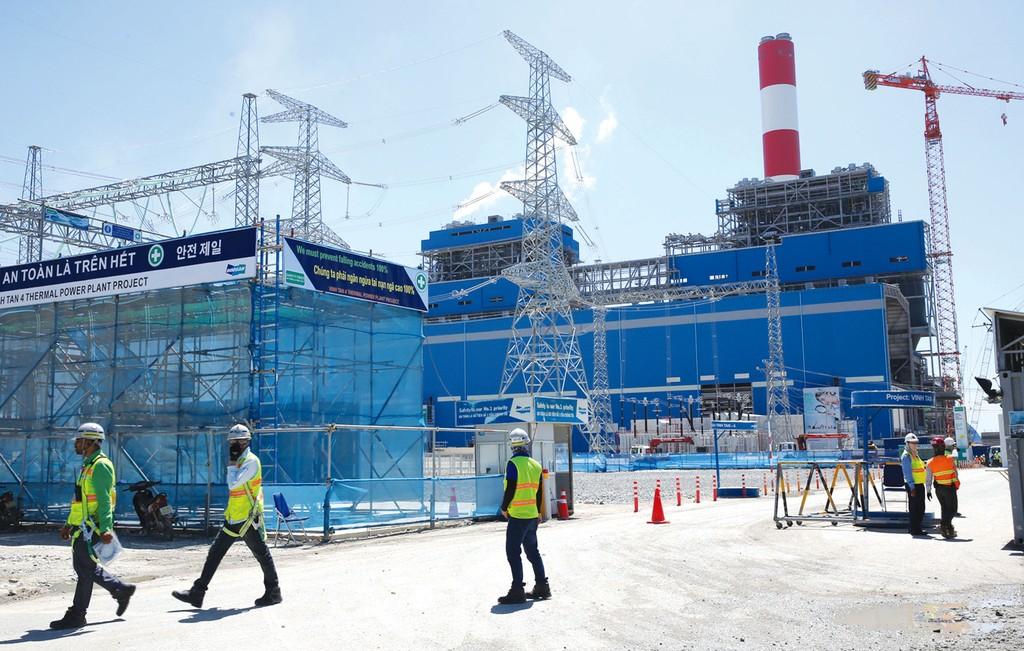 Nhiều chủ đầu tư dự án nhiệt điện e ngại việc sử dụng thiết bị phụ trợ do DN cơ khí trong nước sản xuất. Ảnh: Lê Tiên