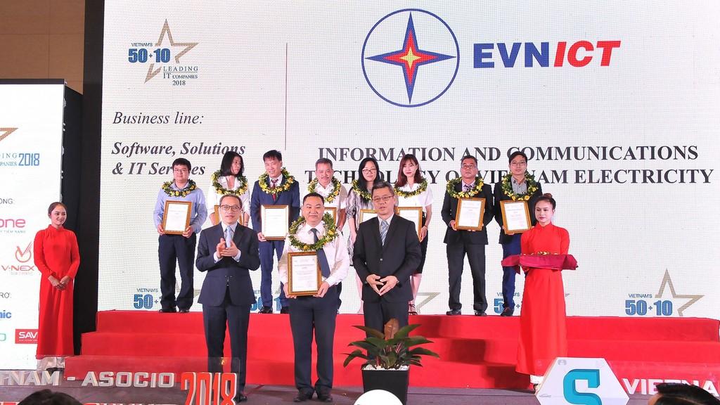 Đây là lần thứ 2 liên tiếp EVNICT đạt danh hiệu Doanh nghiệp công nghệ thông tin hàng đầu Việt Nam
