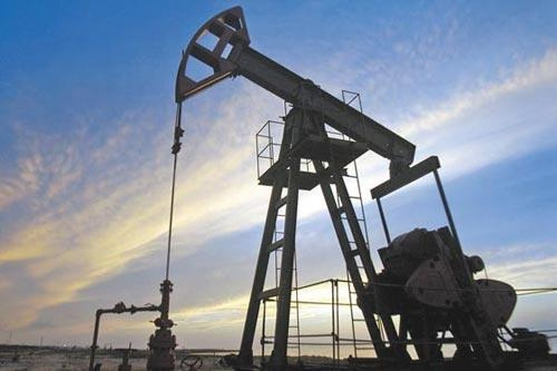Giá dầu thế giới đi lên. Ảnh: Venezuelanalysis.com