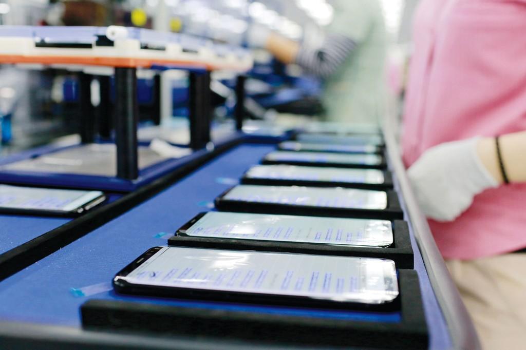 Samsung mang lại kim ngạch xuất khẩu 53,3 tỷ USD năm 2017, chiếm gần 24,9% tổng kim ngạch xuất khẩu của cả nước. Ảnh: Trần Việt Hưng