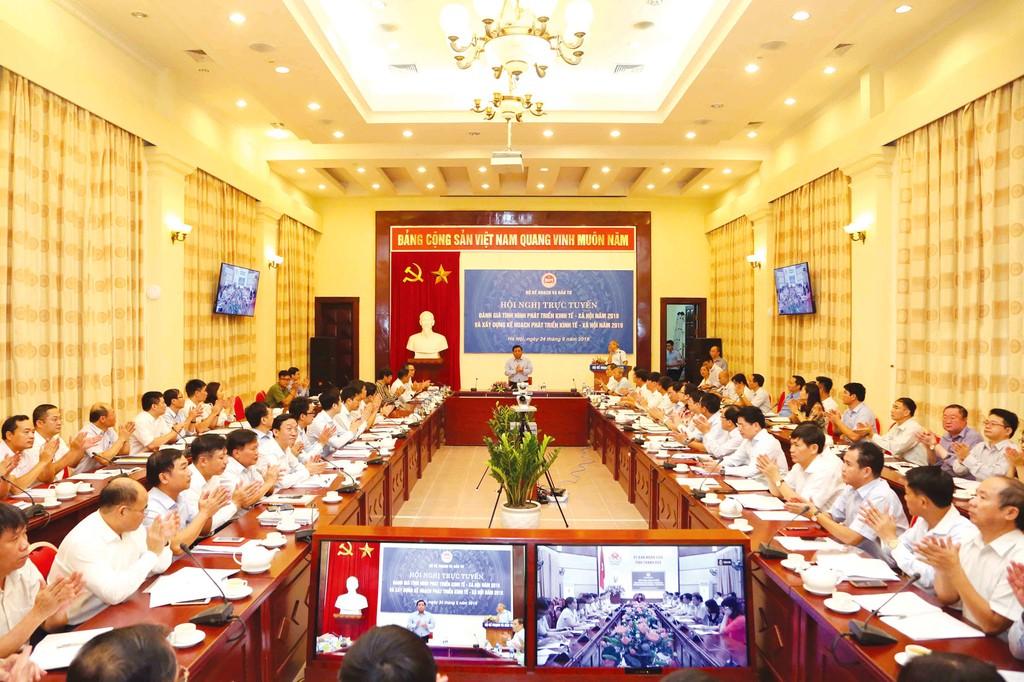 Lần đầu tiên Bộ Kế hoạch và Đầu tư tổ chức Hội nghị trực tuyến đánh giá tình hình phát triển kinh tế - xã hội 2018 và xây dựng Kế hoạch phát triển kinh tế - xã hội 2019. Ảnh: Trương Gia