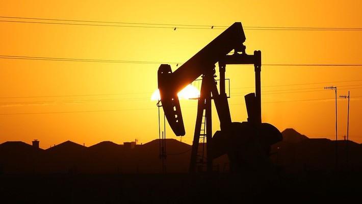 Đầu tháng này, cả giá dầu Brent và giá dầu WTI cùng đạt mức cao nhất gần 4 năm - Ảnh: Getty/MarketWatch.