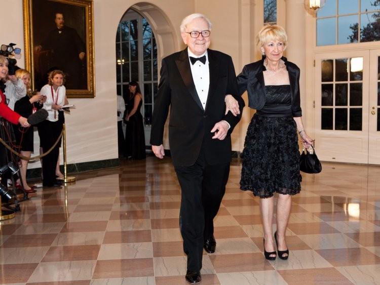 Tỷ phú Warren Buffett tiêu tiền như nào? - ảnh 15