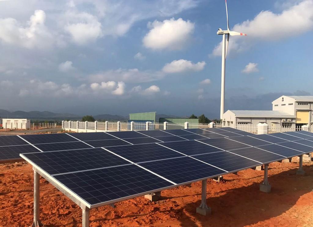 Điện mặt trời: Giải pháp tiết kiệm chi phí cho doanh nghiệp - ảnh 1