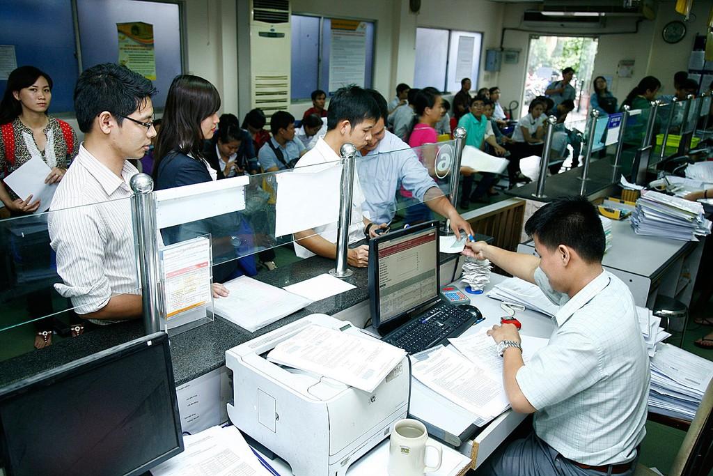 Ngân hàng Thế giới ghi nhận thời gian làm thủ tục khởi sự kinh doanh tại Việt Nam đã giảm từ 22 ngày xuống còn 17 ngày. Ảnh: Lê Tiên