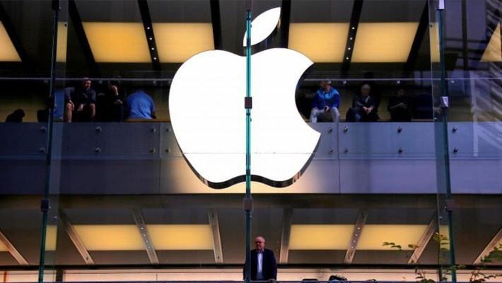 Logo Apple trên cửa hiệu Apple Store ở Sydney, Australia - Ảnh: Reuters.