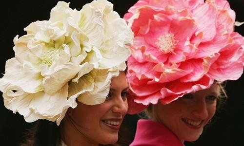 Người tham gia một sự kiện đua ngựa tại Anh. Ảnh:AFP