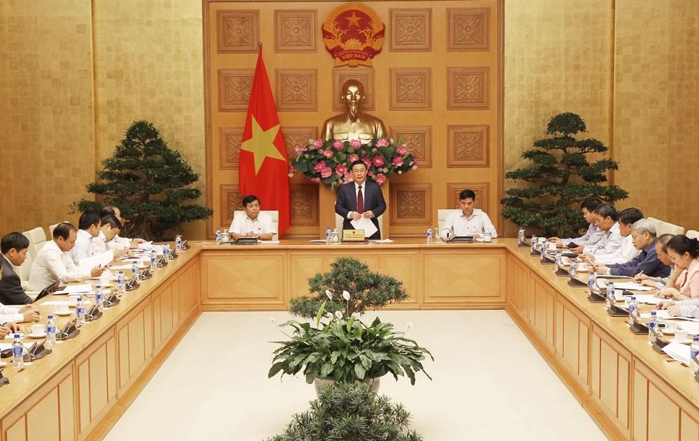Phó Thủ tướng Vương Đình Huệ phát biểu tại cuộc họp của Ban chỉ đạo đổi mới, phát triển kinh tế tập thể, hợp tác xã. Ảnh: Thành Chung