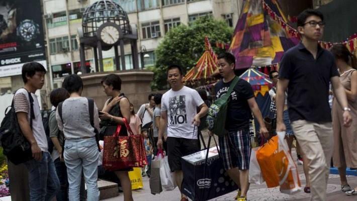 Trung Quốc trở thành quốc gia có đông khách du lịch ra nước ngoài nhất thế giới - Ảnh: SCMP.