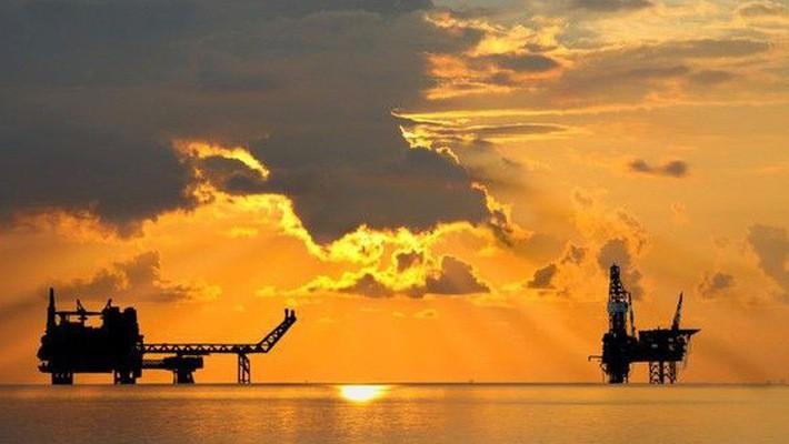 Trong khi đó, ba nước sản xuất dầu lớn nhất thế giới là Mỹ, Saudi Arabia và Nga đều đang khai thác dầu với tốc độ kỷ lục hoặc gần kỷ lục.