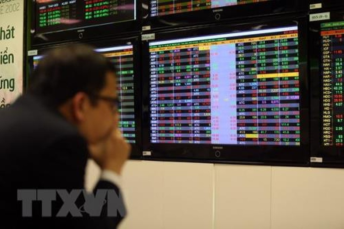 Chứng khoán ngày 15/11: VN – Index mất mốc 900 điểm. Ảnh: Tuấn Anh/TTXVN