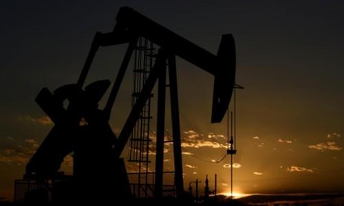 Một máy bơm dầu hoạt động tại Texas (Mỹ). Ảnh:Reuters