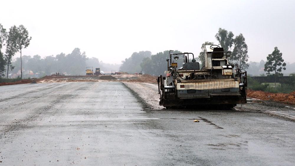 Dự án BOT cao tốc Bắc Giang - Lạng Sơn hiện có tổng vốn đầu tư gần 21.000 tỷ đồng. Ảnh: Quốc Phú