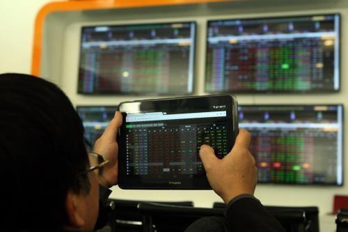 Chứng khoán 28/11: Thanh khoản thấp, VN-Index vẫn vượt 930 điểm. Ảnh:Tuấn Anh/TTXVN