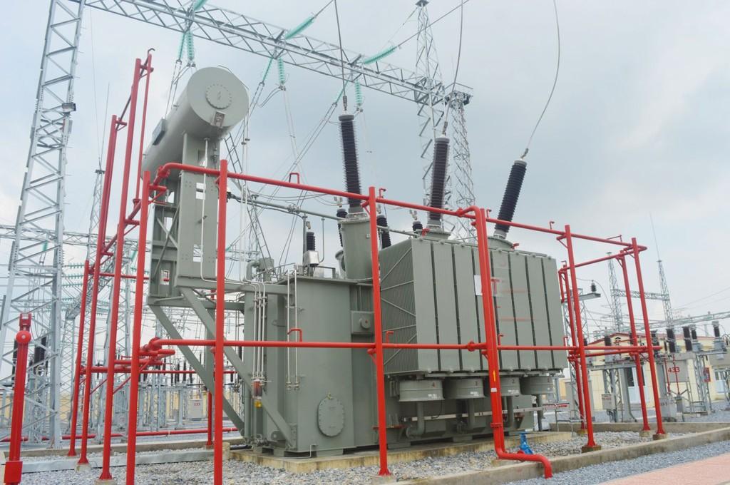 Tại Dự án Trạm biến áp 500 kV Chơn Thành, Công ty CP Xây lắp điện 1 trúng thầu Lô 12.1 của Gói thầu số 12, với giá trúng thầu là 221,8 tỷ đồng. Ảnh: Ngọc Minh
