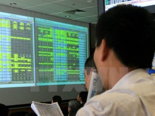 VN-Index tăng hơn 25 điểm. Ảnh minh họa: TTXVN