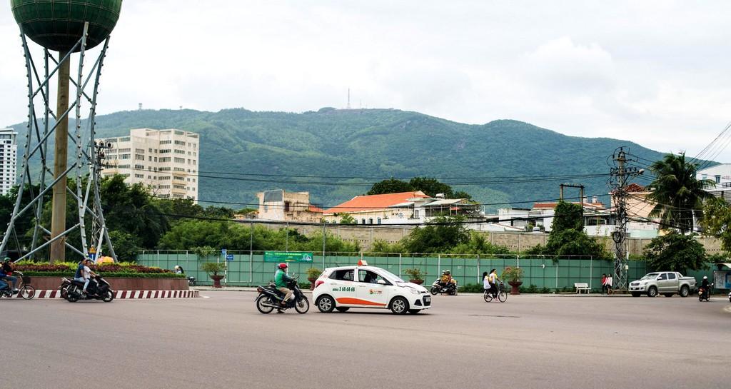 Công ty CP Tập đoàn Hoa Sen từng dồn hết tâm huyết vào dự án tại số 1 Ngô Mây, TP. Quy Nhơn với kỳ vọng tạo nên tòa tháp cao nhất miền Trung. Ảnh: Thôi Chấn Sơn