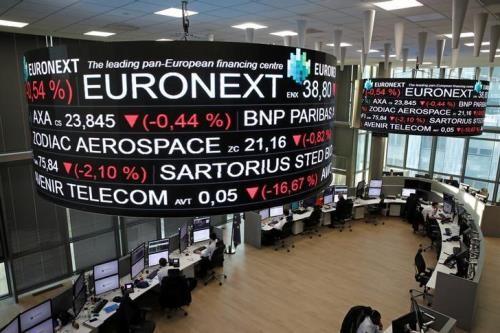 """Bất ổn vẫn """"bủa vây"""" chứng khoán châu Âu. Ảnh: Reuters"""