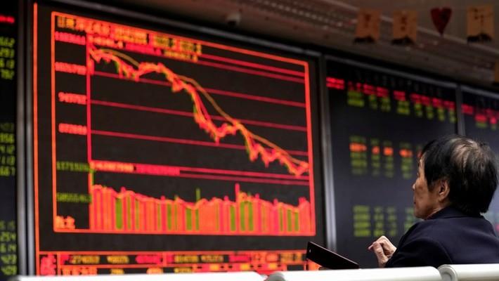 """Giới phân tích nói rằng không có nhóm cổ phiếu nào trên thị trường chứng khoán Tr.ng Quốc được xem là """"an toàn"""" năm nay"""