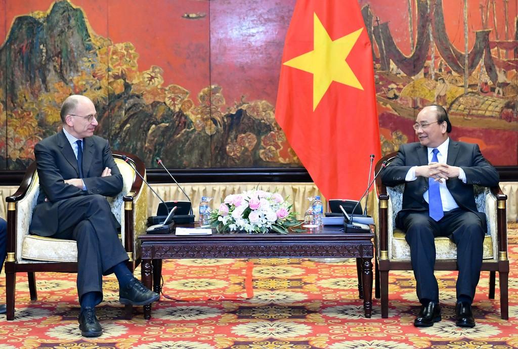 """Thủ tướng Nguyễn Xuân Phúc hoan nghênh Hiệp hội Italy - ASEAN tổ chức """"Đối thoại cấp cao về quan hệ kinh tế Italy - ASEAN"""" tại Hà Nội vào năm 2019. Ảnh: Hiếu Nguyễn"""