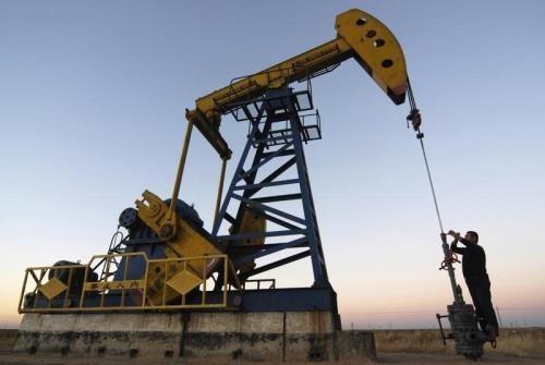 Giá dầu châu Á tiếp tục đà đi xuống. Ảnh: Reuters