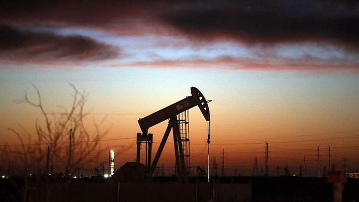Giá dầu thô giảm mạnh trong tuần cùng với những phiên lao dốc của thị trường chứng khoán thế giới, đặc biệt là chứng khoán Mỹ - Ảnh: Getty/CNBC.