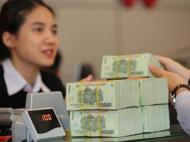 Nhiều ngân hàng bỏ xa trần lãi suất
