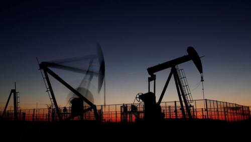 Hoạt động khai thác dầu gần Paris (Pháp). Ảnh:Reuters