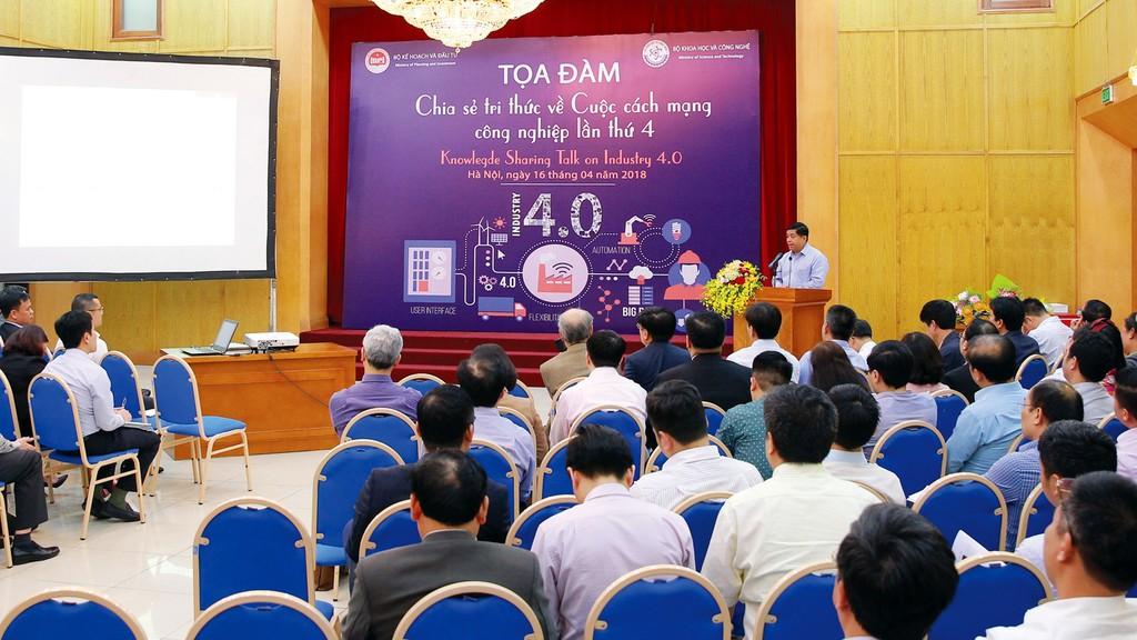CMCN 4.0 đem đến cho Việt Nam cơ hội có một không hai để vượt lên và đưa nền kinh tế phát triển theo hướng mới dựa trên nền tảng khoa học và công nghệ. Ảnh: Lê Tiên