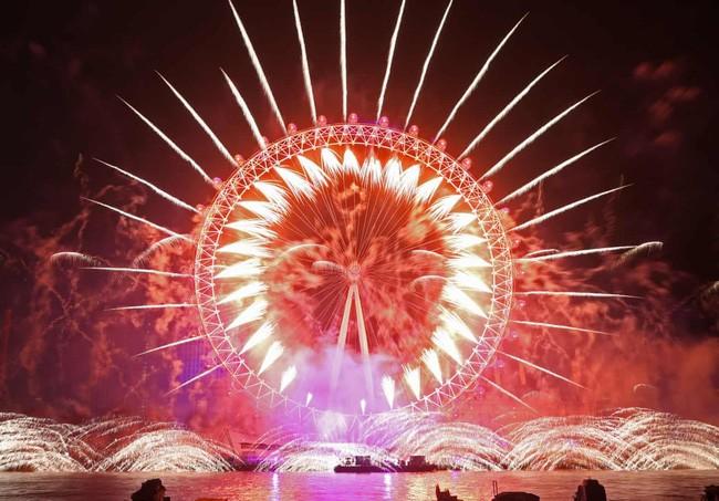 Hình ảnh đón năm mới trên khắp thế giới - ảnh 17