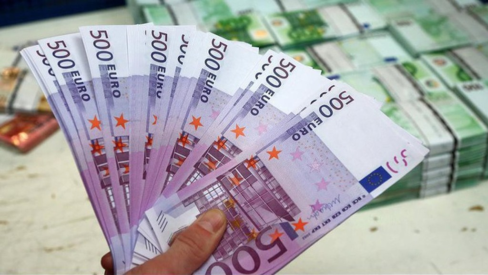 Không chỉ là đồng bạc có mệnh giá lớn nhất ở Eurozone, đồng 500 Euro còn là một trong những đồng tiền giá trị nhất thế giới.
