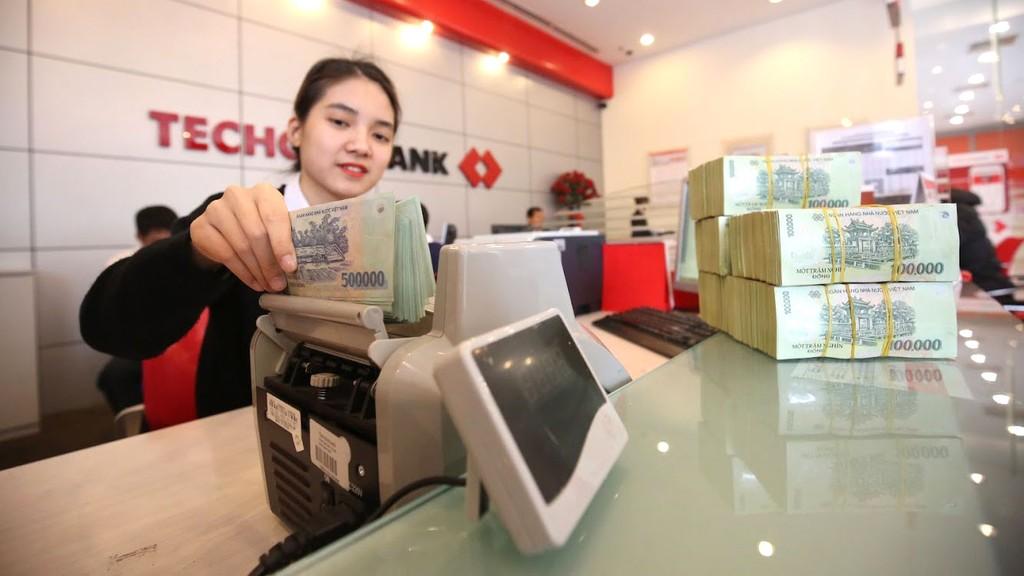 Các ngân hàng đã chủ động và tích cực tìm cách tăng vốn, song không phải dễ thực hiện. Ảnh: Tâm Anh