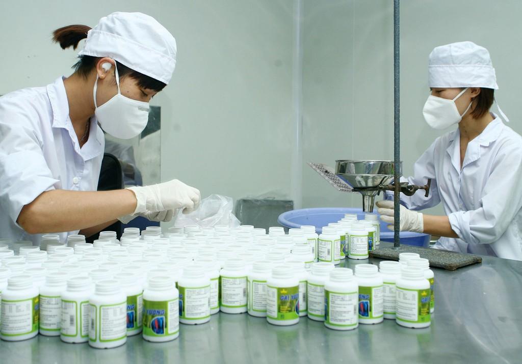 Tổng giá trúng thầu đợt 1 của 7 gói thầu mua thuốc năm 2019 - 2020 thuộc danh mục thuốc đấu thầu tập trung cấp quốc gia là hơn 5.330 tỷ đồng. Ảnh: Lê Tiên