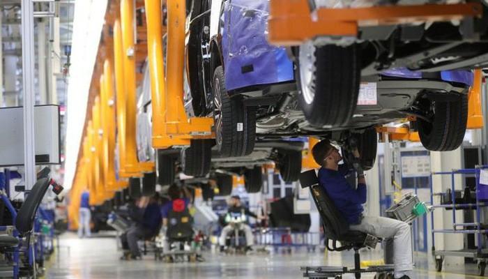 Bên trong một nhà máy sản xuất ô tô của Đức - Ảnh: Getty/CNBC.