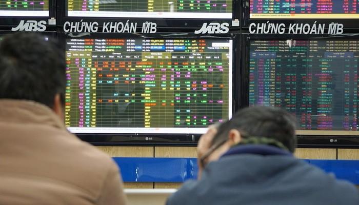 Dòng tiền lớn đã đi đâu là câu hỏi kéo dài những tháng qua trên sàn chứng khoán Việt Nam - Ảnh: Quang Phúc.