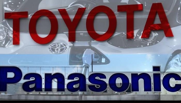 Đấu lại đối thủ Trung Quốc, Toyota bắt tay Panasonic làm pin xe điện
