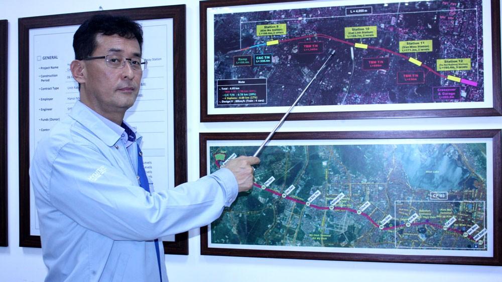 Kỹ sư Kim Do Gygoon giới thiệu công nghệ khoan hầm hiện đại, phức tạp được sử dụng trong thi công tuyến metro số 3