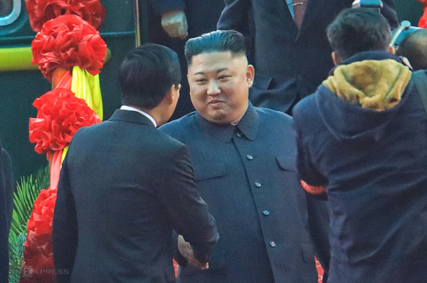 Chủ tịch Triều Tiên đến Việt Nam trên đoàn tàu bọc thép - ảnh 6
