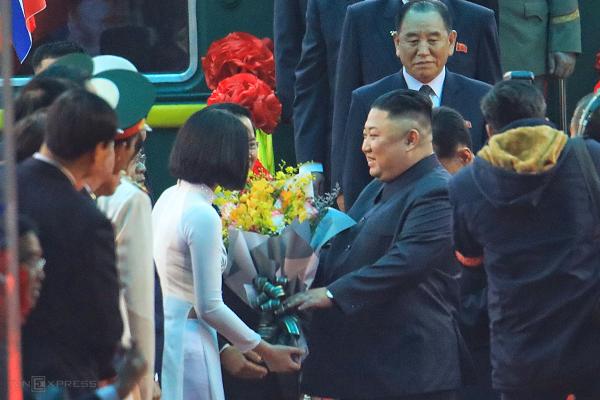Chủ tịch Triều Tiên đến Việt Nam trên đoàn tàu bọc thép - ảnh 7