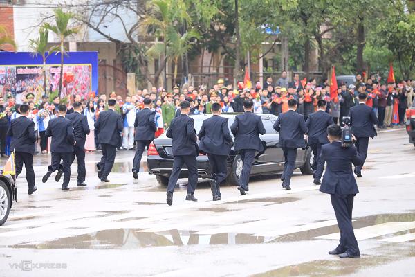 Chủ tịch Triều Tiên đến Việt Nam trên đoàn tàu bọc thép - ảnh 8